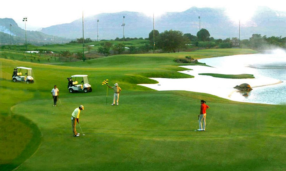 golf industry analysis Discover all statistics and data on golf now on statistacom smartphone industry analysis direct economic output of the golf industry in florida.