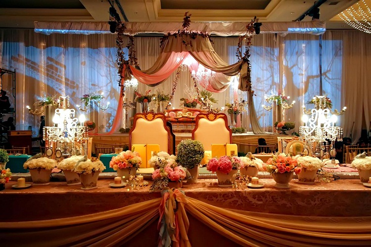 wedding in saudi arabia In saudi arabia, men and women must have separate wedding celebrations in public venues many couples opt to have their weddings abroad so that they can celebrate together in manama.