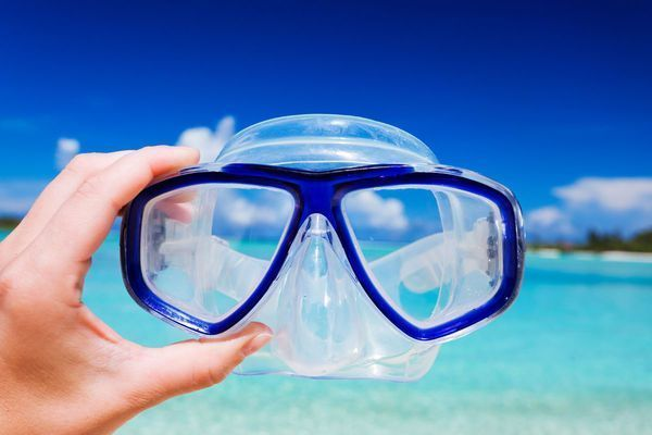 Snorkeling-Equipment-Market.jpg