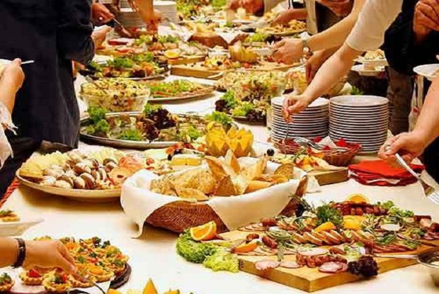 Global-Catering-Services-and-Food-Contractors-Market-1.jpg
